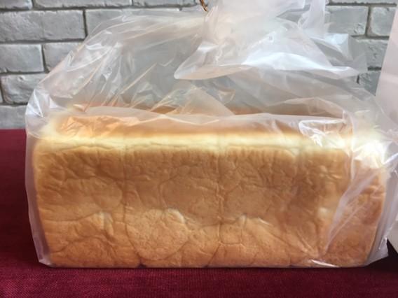 【銀座 に志かわ】の食パンをいただきました。